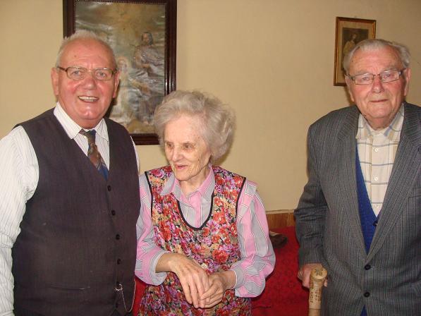 fot. E. Pryczkowski:   Augustyn kowalewski (po prawej) z bratem i krewną