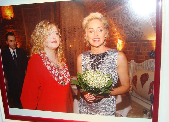 Fot. GK:  Magda Gessler i Sharon Stone w jednej z jej warszawskich restauracji