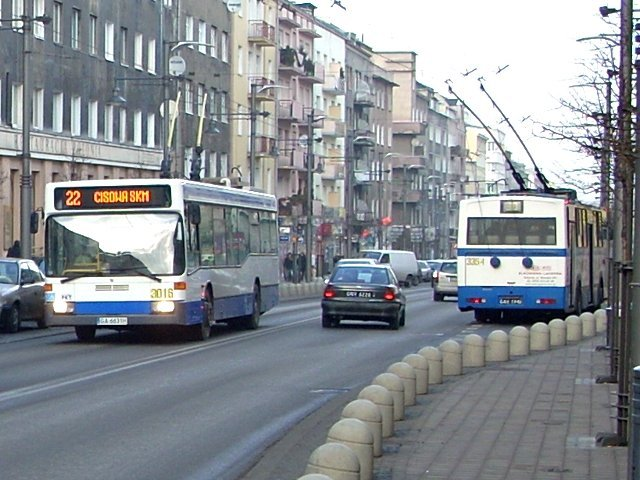 fot. ulica Świętojańska w Gdyni/ Garnek:pavels