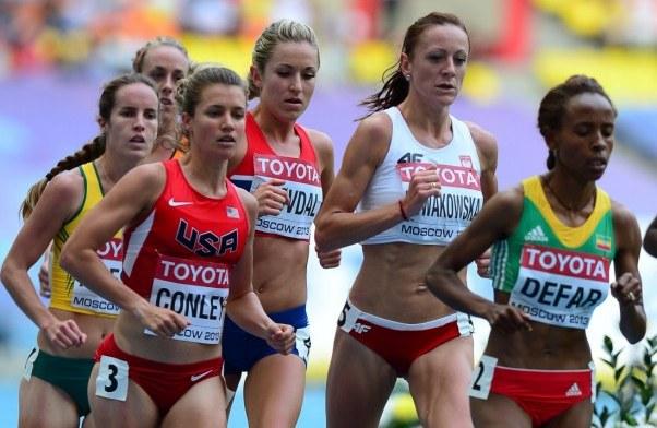 Dominika Nowakowska (druga z prawej)