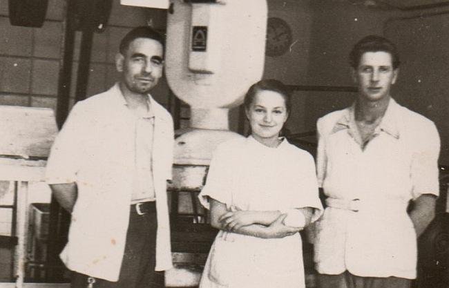 Mój tata z przyjacielem Arnoldem w środku P. Janeczka.