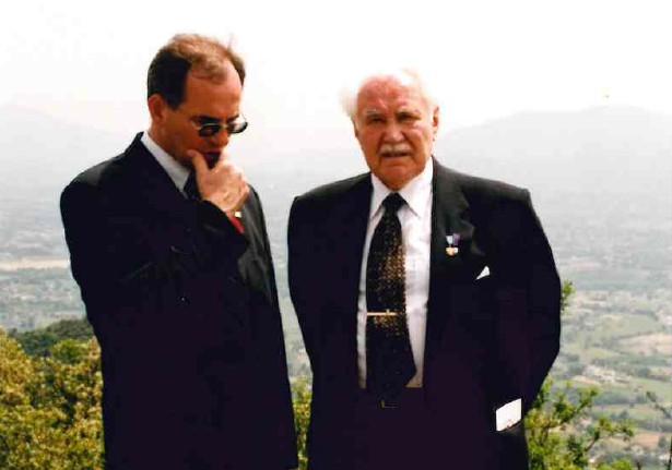 Z Prezydentem Ryszardem Kaczorowskim na wzgórzu 593 podczas obchodów 55 rocznicy bitwy o Monte Cassino.