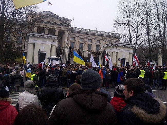 Manifestacja poparcia Ukrainy pod ambasadą Rosji w Warszawie/ fot. G. Stanisławski