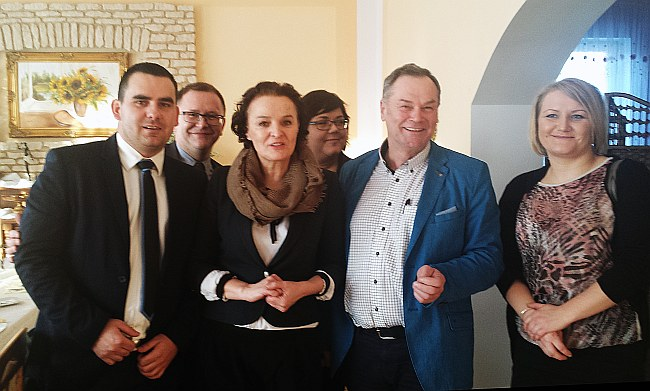 """Z Barbarą Sadowską - Prezes Fundacji Pomocy Wzajemnej """"Barka""""."""