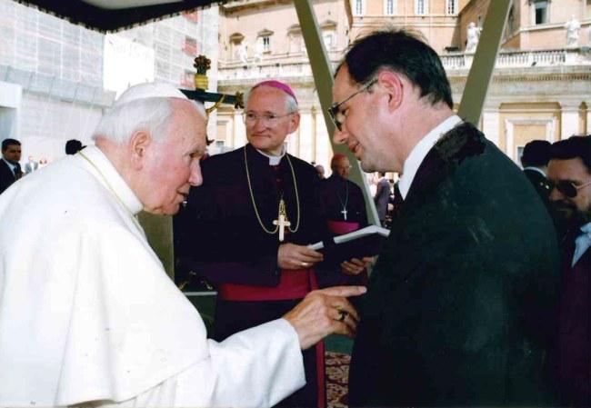 Autor z Janem Paweł II // Rzym maj 1999 r.