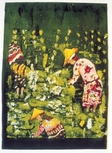 """Na zdjęciu: Jeden z batików powstałych w Pracowni (Ewa Lenart """"Magiczne pola ryżowe"""")."""