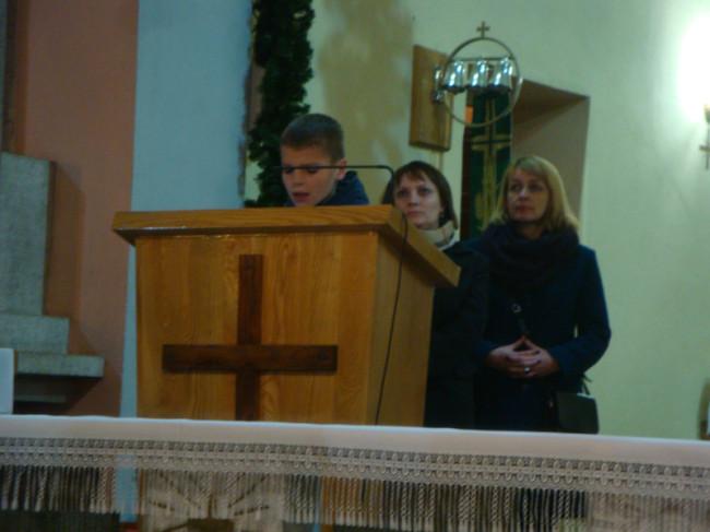 Z lewej Lucyna Adamczyk – Dyrektor ZS w Lipnicy  oraz Justyna  Ginter sołtys  Łąkiego