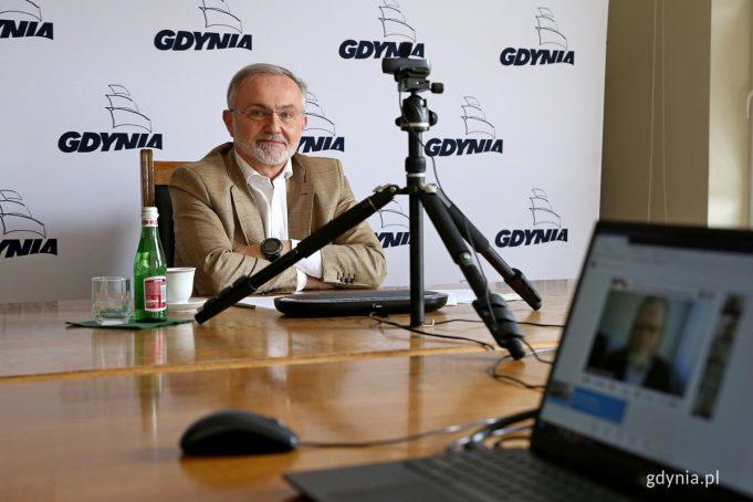 Prezydent Gdyni Wojciech Szczurek w czasie debaty online Pomorskiego Kongresu Obywatelskiego // fot. Przemysław Kozłowski